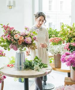 Kiana Underwood of Tulipina will be a speaker at Florabundance  Design Days 2018